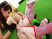 Dildo loving all girl threesome sex movie